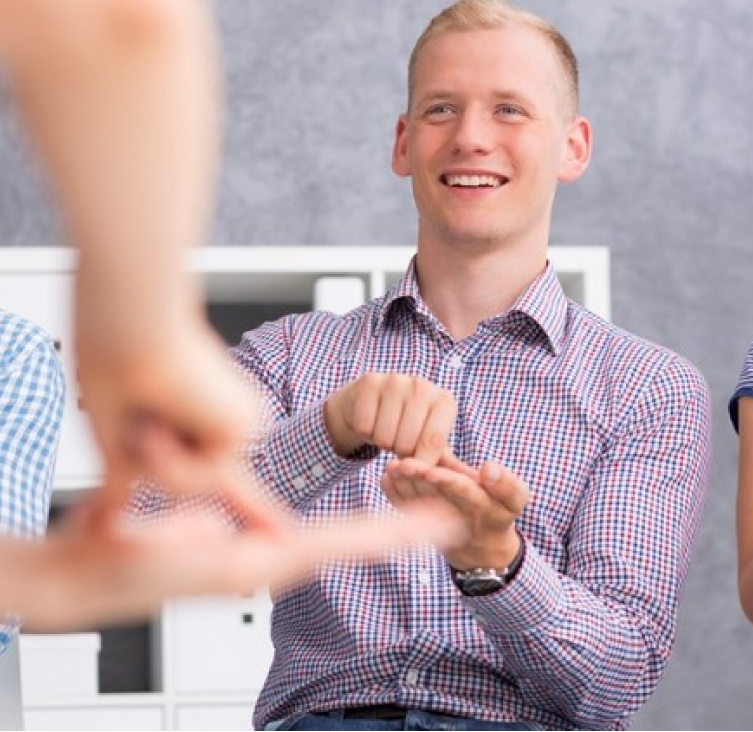 Curso de Libras - Aprenda Língua de Sinais de um Jeito Fácil